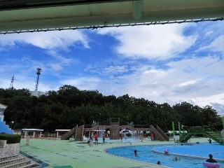 0820-06-pool.jpg